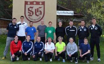 Unser Foto zeigt die Teilnehmer beim Lehrgang mit Lehrgangsleiter Rainer Frommknecht