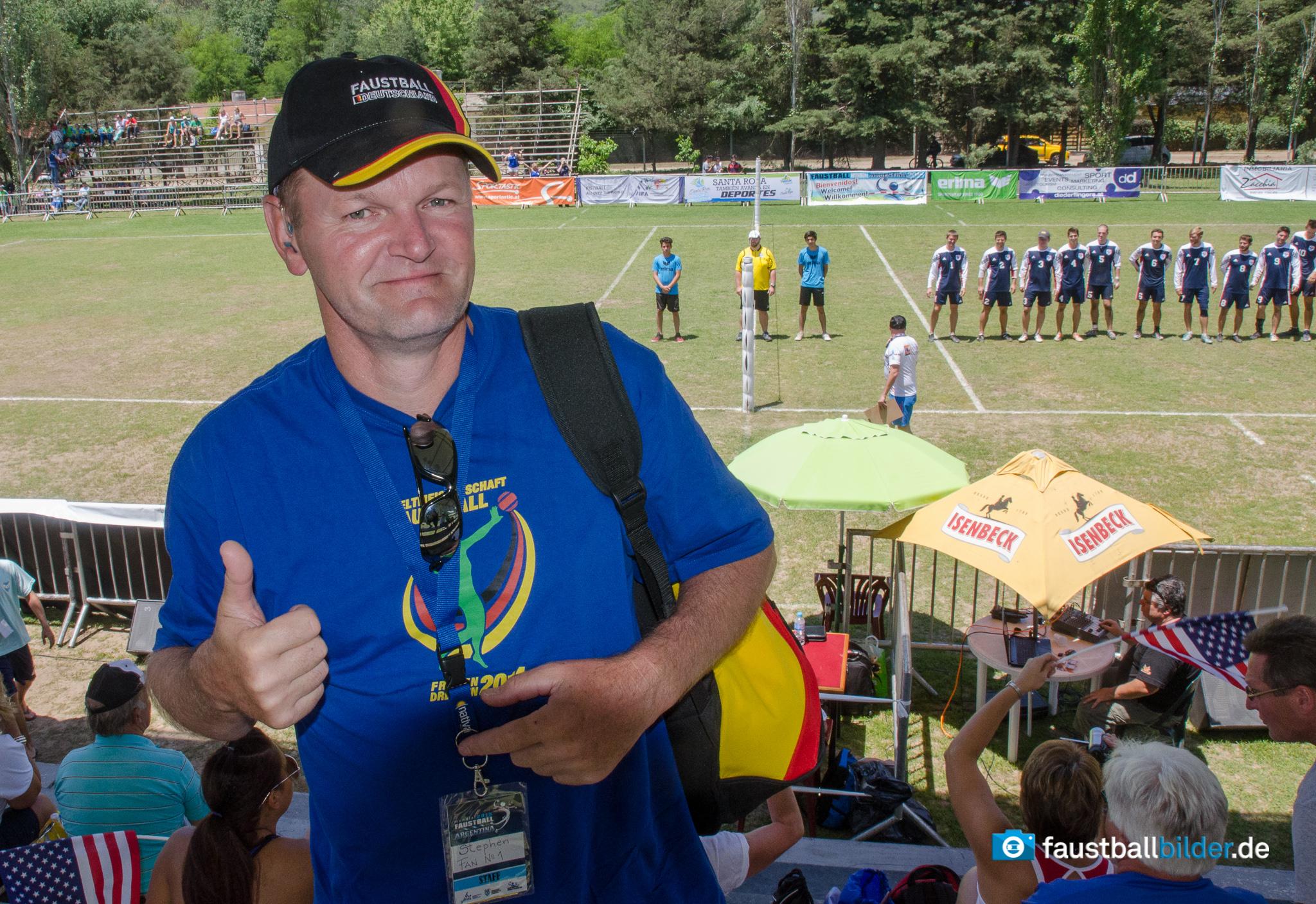 Steffen Hermann ist als Faustball-Fan und WM-Helfer in Argentinien (Foto: DFBL/bec)
