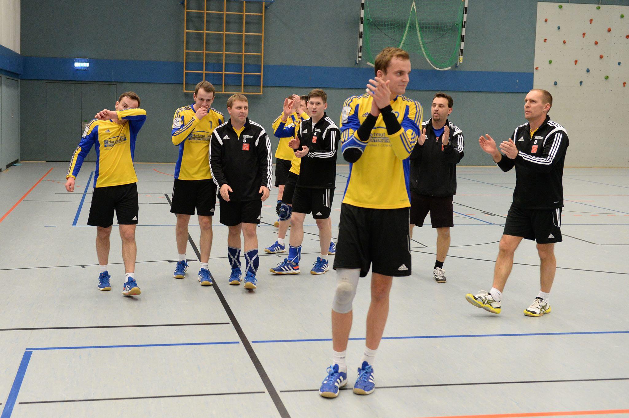 Applaus zum Jahresabschluss: Armstorf gewinnt klar gegen VfK Berlin (Foto: Thomas Schuldt)