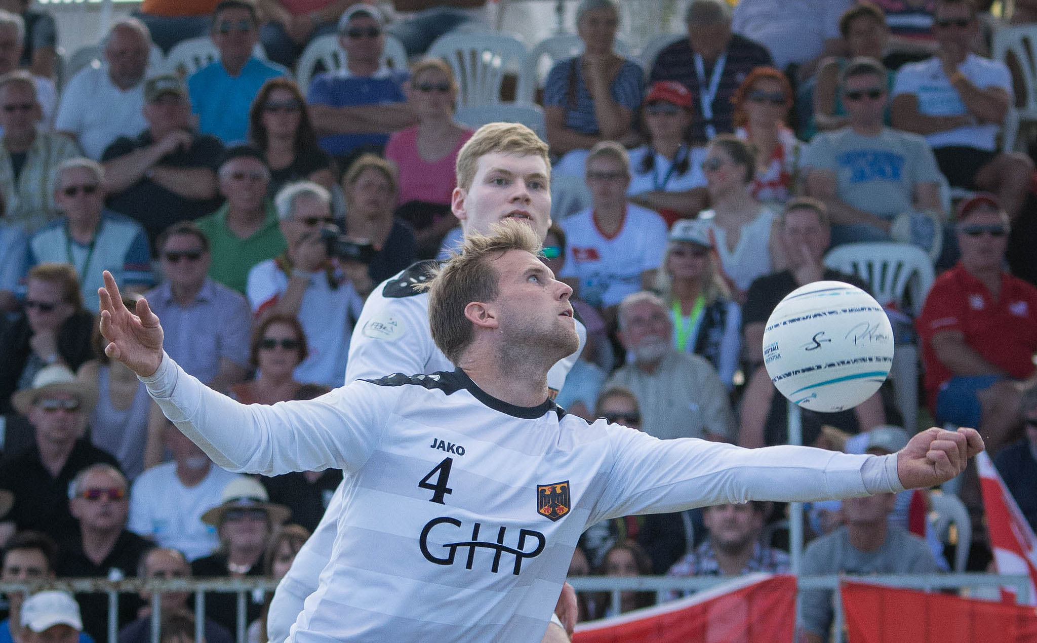 Das deutsche Angreifer-Doppel Lukas Schubert (v.) und Patrick Thomas (Foto: DFBL/Schönwandt)