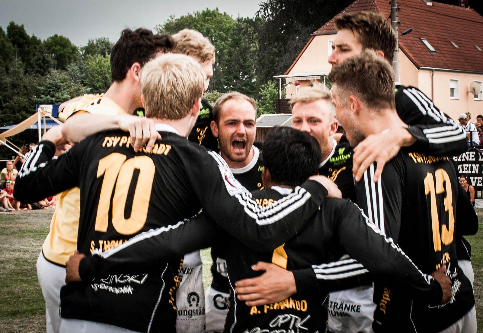 Zum 100. Mal in Reihe durfte der TSV Pfungstadt jetzt einen Sieg bejubeln. (Foto: DFBL/Schönwandt)
