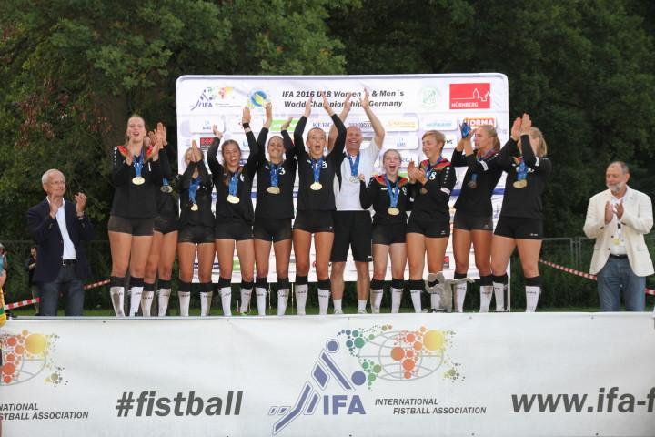 Weltmeister Frauen U18 2016 DEUTSCHLAND Foto: DFBL/Stöldt