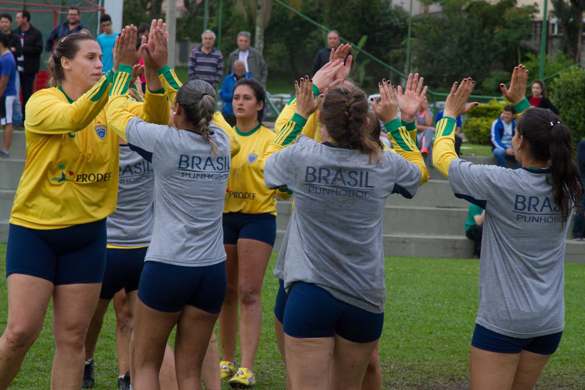 Brasilien bejubelt den Auftaktsieg (Foto: Spille)