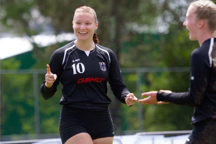 Aniko Müller jubelt über den vierten Sieg im vierten WM-Spiel. (Foto: Spille)