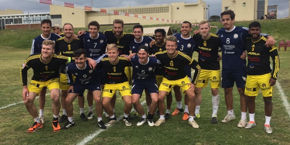 Die beiden Mannschaften, die im Endspiel standen: TSV Pfungstadt und Club Merces/Brasilien