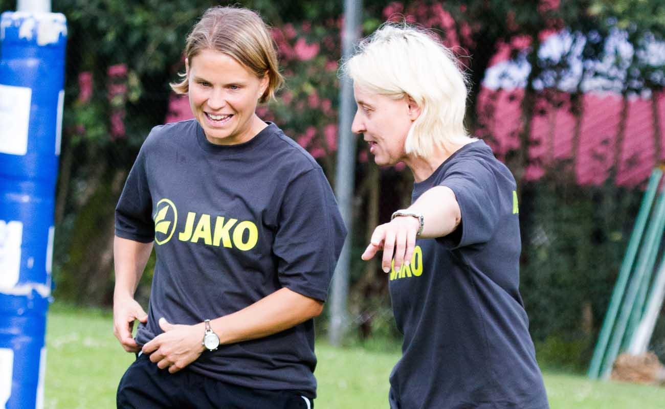 Die Bundestrainerinnen Eva Krämer (l.) und Silke Eber. (Foto: DFBL/Spille)