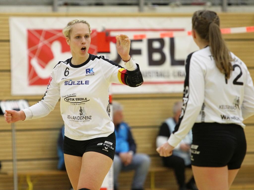 Dennachs Duo Sonja Pfrommer (l.) und Lena Wahl (Foto: DFBL/Stöldt)